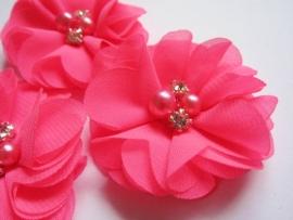 Bloem chiffon met parels & strass neon pink