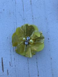 Bloem chiffon met parels & strass metalic goud