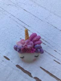 Unicorn flower roze/lila fimo klei poppetje