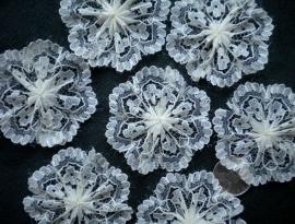 Kanten rozet/bloem off white  4cm