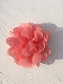 Chiffon bloem coral 7cm