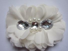 Luxe grote bloem met  parels en strass off white