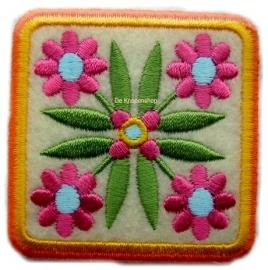 A13 Vierkant 4 bloemen
