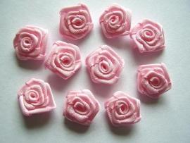 Roosjes licht roze 1,5cm