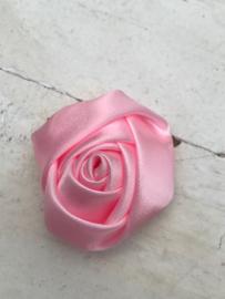 Bloem satijn roos licht roze
