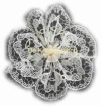 Kanten rozet/bloem wit (pst.) 3cm