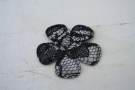 Bloem satijn zilver grijs/kant zwart 3.5cm pst