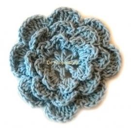 A0225b Gehaakte katoenen bloem baby blauw
