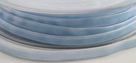 Velvet/fluweel band lichtblauw  6 mm