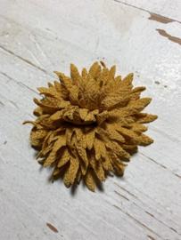 Vintage bloem okergeel 7cm