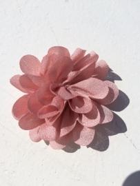 Chiffon bloem dusty pink 5,5 cm