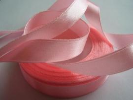 SB126 Satijnband baby roze 10 mm
