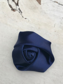 Bloem satijn roos donkerblauw