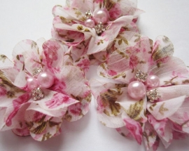 Bloem chiffon roze flower met parels & strass