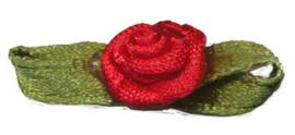Roosje satijn rood op blad 10 x 30 mm (B)