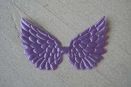 Vleugels lila satijn