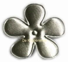Satijnen bloem  zilver 3,5cm