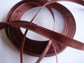 SB019 Satijnband donker bruin 6 mm