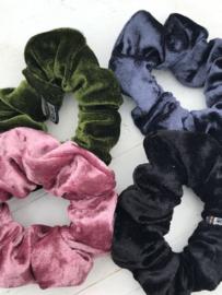 Velvet scrunchie antraciet