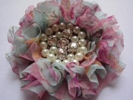 Luxe bloem met strass en parels flower power