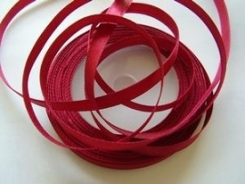 SB017a Satijnband ruby wine/bordeaux 6 mm