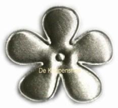 Satijnen bloem zilver 6,5cm
