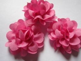 Chiffon bloem bubblegum 5,5 cm