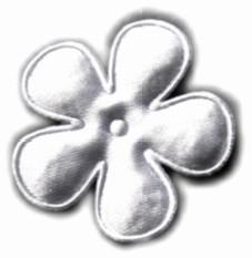 Satijnen bloem wit 4,7cm