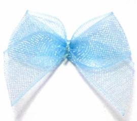strikje licht blauw organza