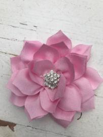 Luxe bloem satijn met ster strass licht roze