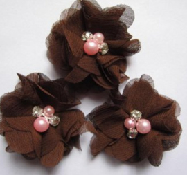 Bloem chiffon met parels & strass bruin parel roze