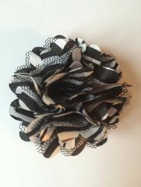 Stoffen satijn bloem met schijfje 5cm *zebra* pst