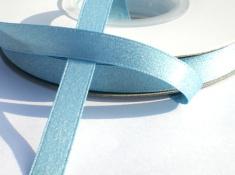 Lichtblauw satijnband  met glinster