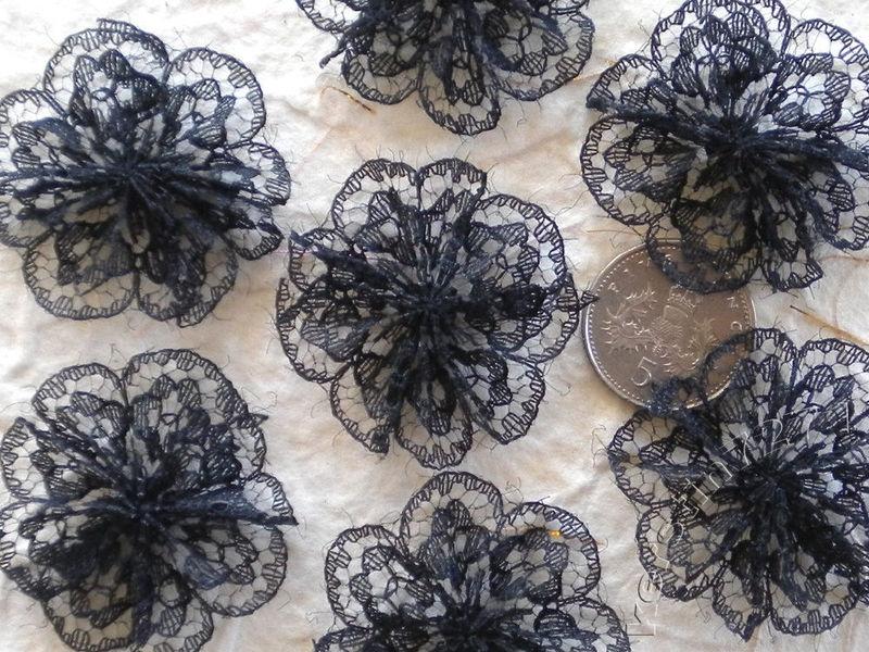 Kanten rozet/bloem zwart pst 3cm