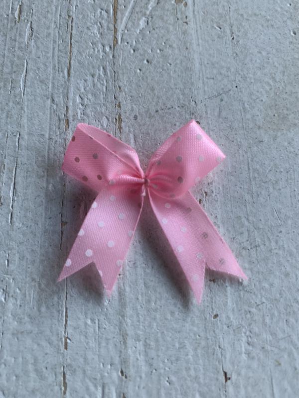 Satijnen polkadot strikjes licht roze