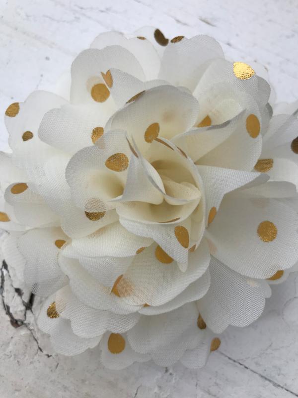 Bloemen chiffon 10 cm off white polkadot goud