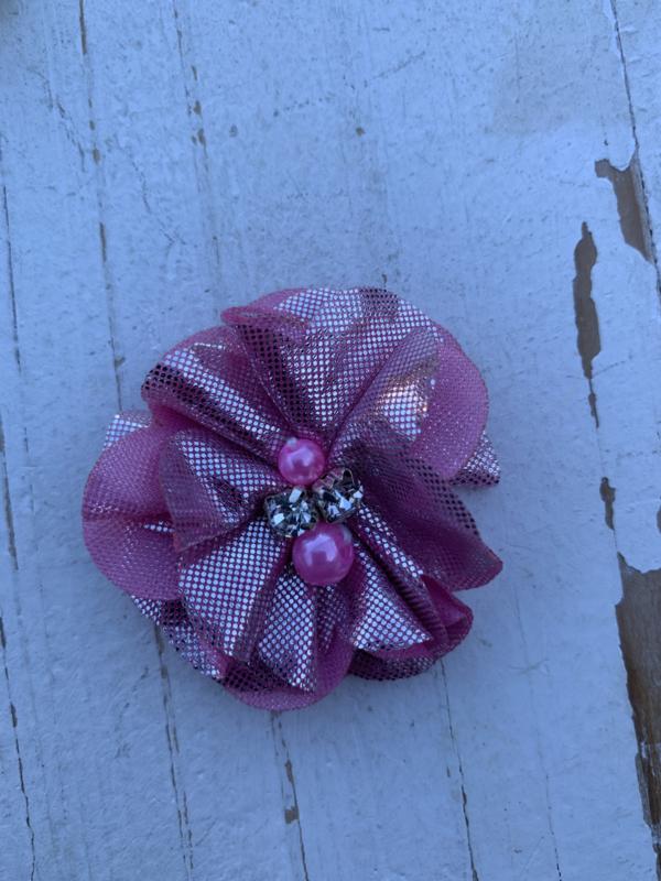Bloem chiffon met parels & strass metalic roze