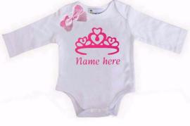 Baby shirt kroon wit + eigen naam lange/korte mouw