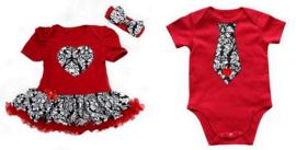 Tweeling kleding barok rood. Jurk + haarband + jongens romper