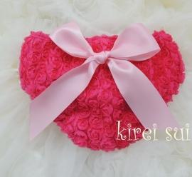 Luierbroekje romantische roosjes pink met roze strik
