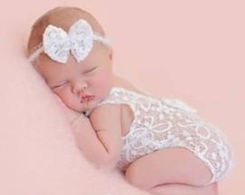 Newborn kanten pakje wit strik + haarband