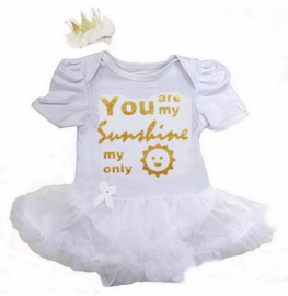 Babyjurk You Are My Sunshine My Only wit + haarclip kroon