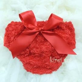 Luierbroekje romantische roosjes rood met rode strik