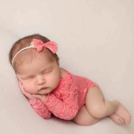 Newborn kanten pakje oud roze + haarband