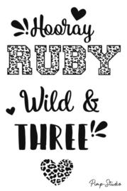 Raamsticker Hooray, Wild & Three