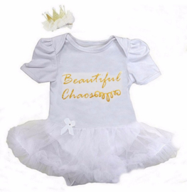 Babyjurk Beautiful Chaos lang/korte mouw wit + haarclip kroon