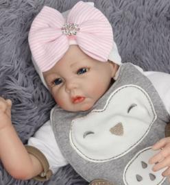 Babymuts roze/wit met strik en strass