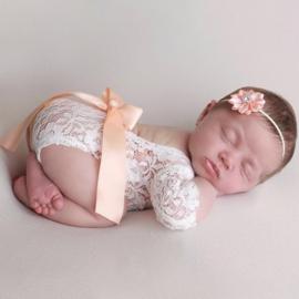 Newborn kanten pakje perzik + haarband