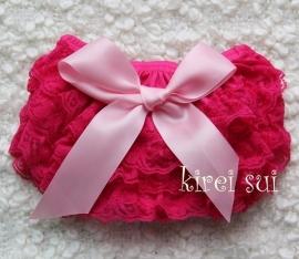 Luierbroekje kant pink/roze strik