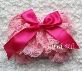 Luierbroekje kant roze/pink strik